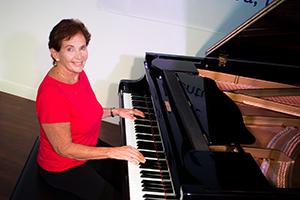 Carol Anievas - Piano
